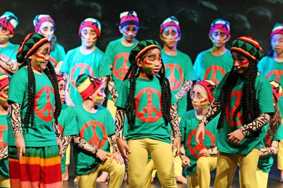 Lost in Space - The Musical 06